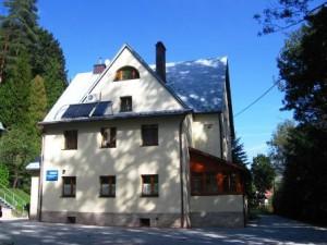 stary dom_od tyłu